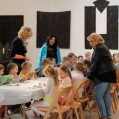 Warsztaty rzeźbiarskie w BWA w Ostrowcu